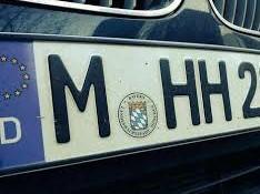 Boom di traduzioni per comprare auto in Germania